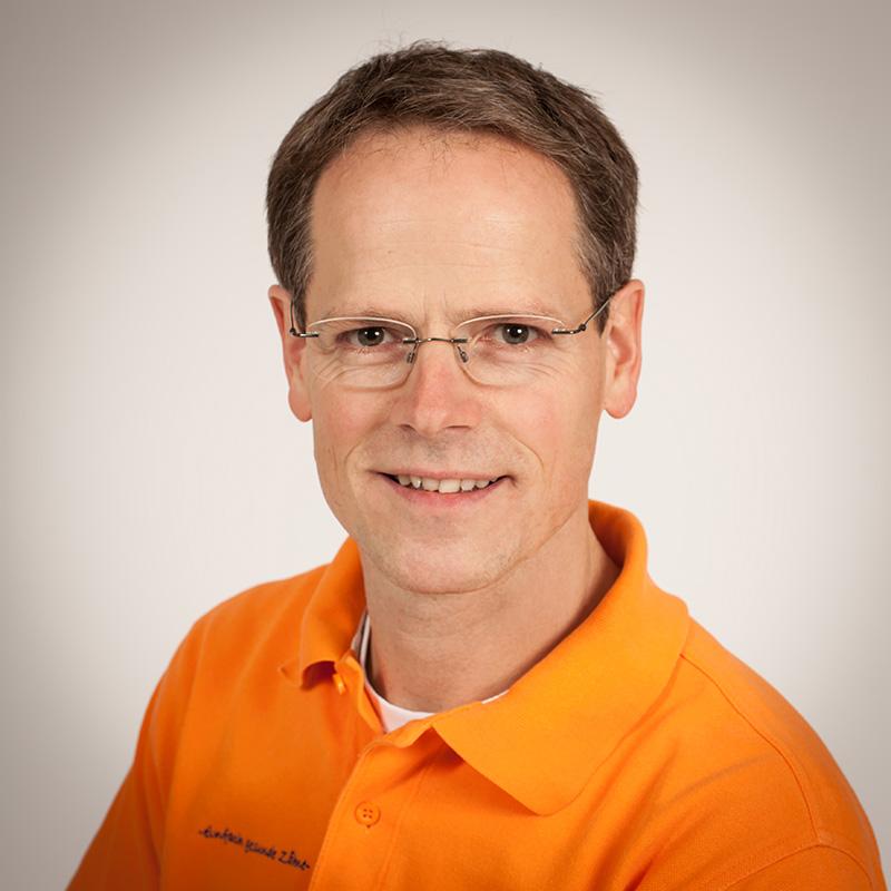 Dr. <b>Stefan Buch</b> - mitarbeiter-zahnarztpraxis-kelkheim-081